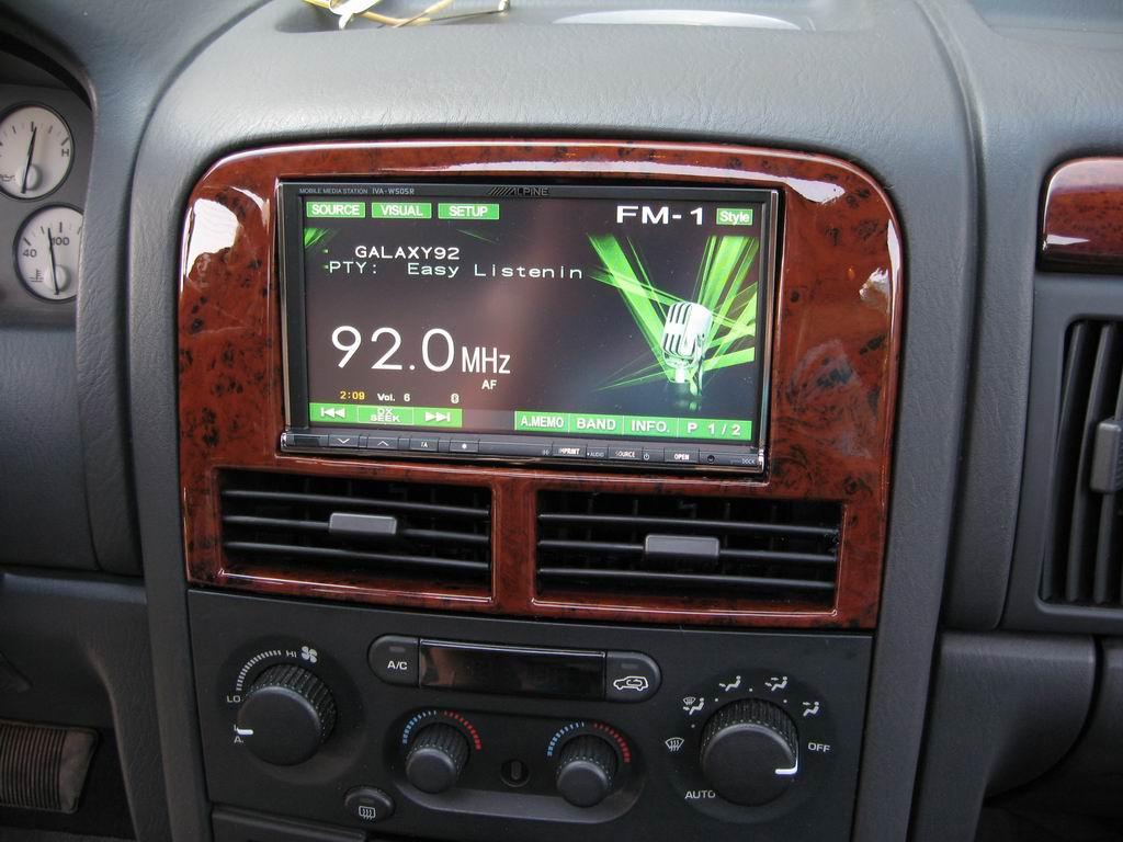 Autoradio Jeep Grand Cherokee Wj Automobil Bildidee 2005 Double Din Dash 2 Size Car Cinema Alpine Iva W505r