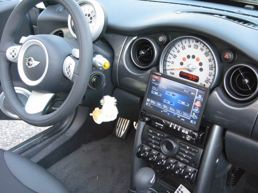 mini cooper s cabrio car cinema navigation camera. Black Bedroom Furniture Sets. Home Design Ideas